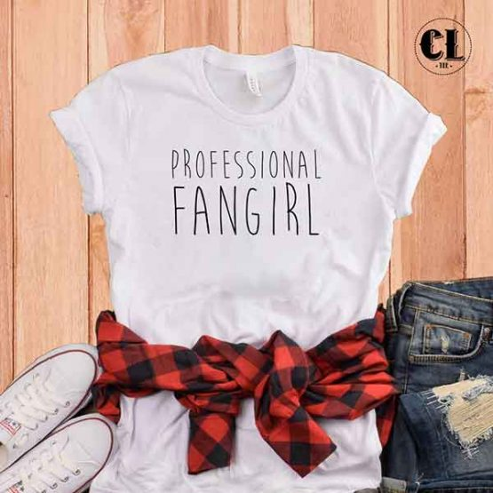 T-Shirt Professional Fangirl by Clotee.com Tumblr Aesthetic Clothing