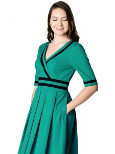 plus size clothing from eshakti.com