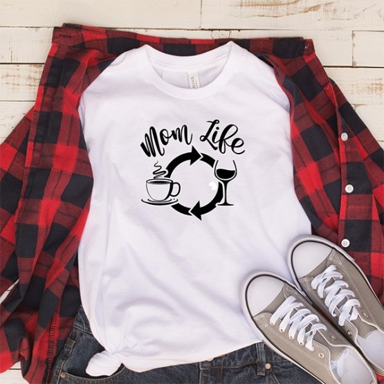 T-Shirt Mom Life Coffee Wine Repeat Mom Life by Clotee.com Mom Life, Funny Mom, Best Mom
