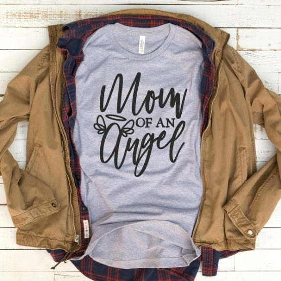 T-Shirt Mommin Is So Gangsta Mom Life by Clotee.com New Mom, Boy Mom, Cool Mom