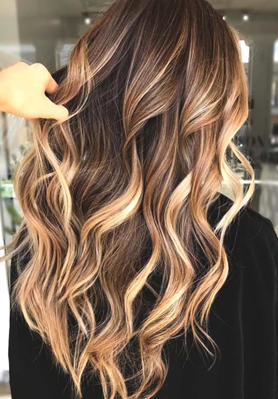 caramel highlights hair color ideas for fall