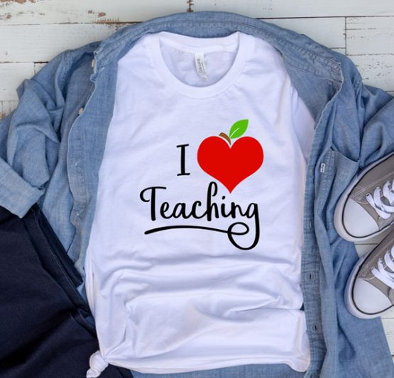 T-Shirt Apple Heart I Love Teaching by Clotee.com Aesthetic Clothing