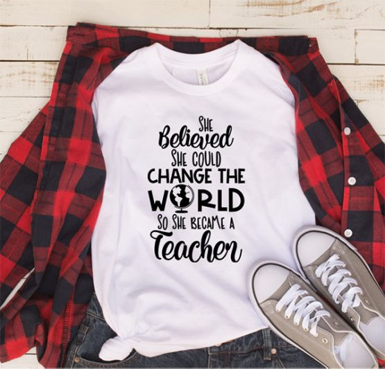 T-Shirt She Believed She Could by Clotee.com Aesthetic Clothing
