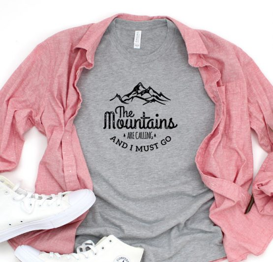 T-Shirt Vacation The Mountains Are Calling And I Must Go by Clotee.com Tumblr Aesthetic Clothing